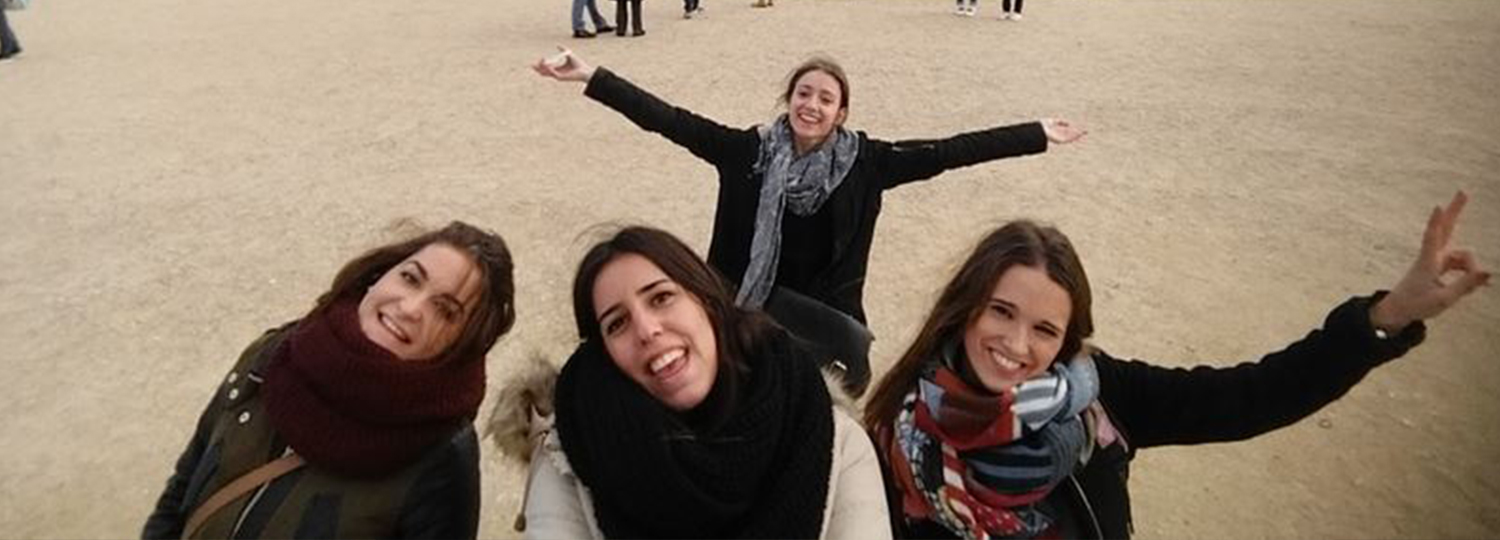 Rocio with others students Erasmus in Paris